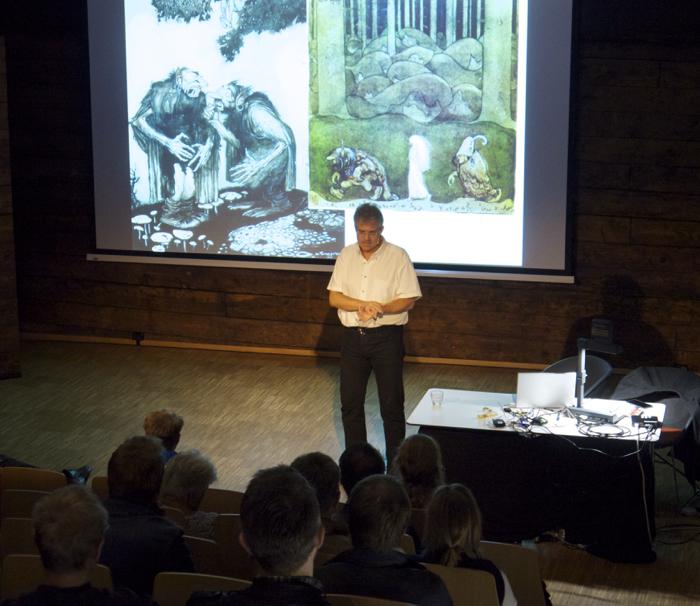 Arild Midthun presenting 'Truls og Trine'